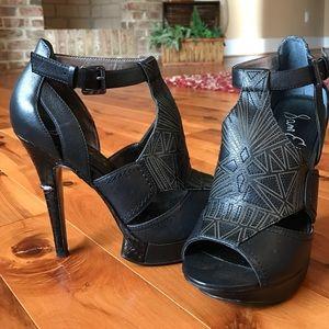 Heels, super sexy!