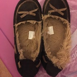 Muk Luks Shoes - Like new  MUKLUKS