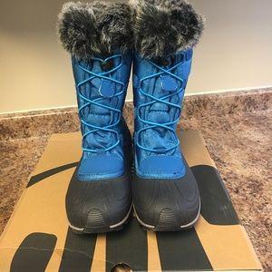 Kamik Shoes - NIB Kamik Momentum Women's Teal Blue boots