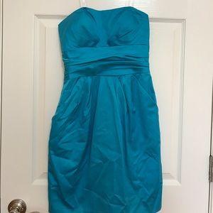 David's Bridal Dresses & Skirts - David's Bridal Strapless Dress with pocket size 4