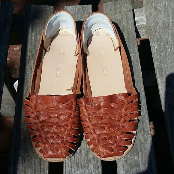 4ee9164ebe6e Nisolo Ecuador Huarache Sandals in Burnt Sienna. M 58e3c2a72599fe71fd008f6e