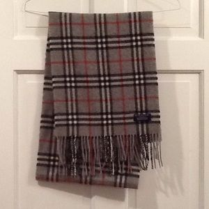 Burberry Accessories - Gray Burberry Wool Scarf