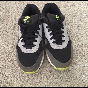 Nike Air Max | size U.S 7 Y