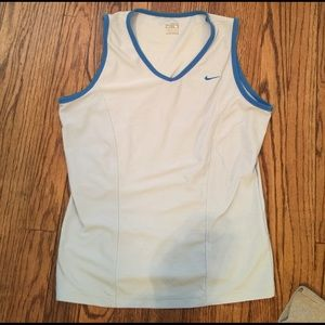 Women's Nike fit dry workout sleeveless top