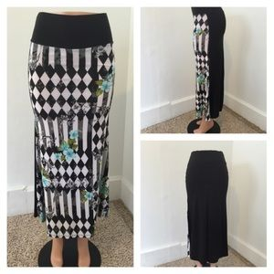Dresses & Skirts - NEW pattern maxi skirt