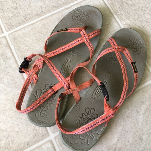 5fb7c5f5f186 Keen Shoes - Keen strap sandals water shoes coral 8