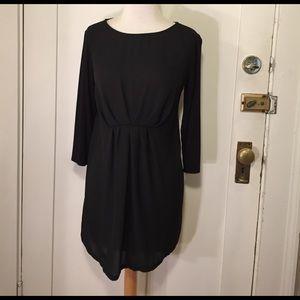 Liz Lange maternity black mixed material top