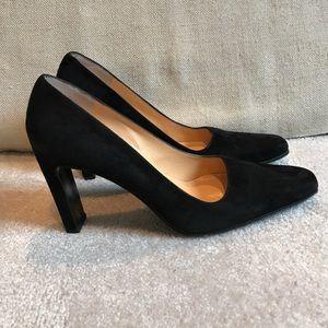 Ellen Tracy Shoes - Ellen Tracy black suede pumps 9