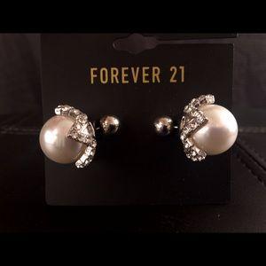 Large pearl earrings w/ rhinestone setting NWT