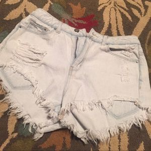 H&M Divided high waisted shorts Size: 6