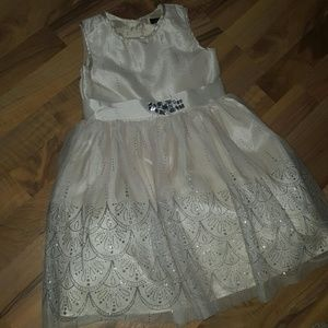 Zunie Other - Girls Ivory and Silver Formal Dress