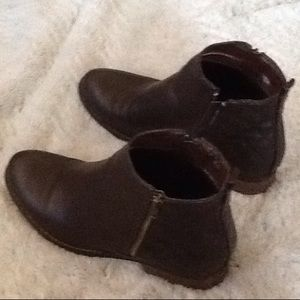 Booties size 8.5 lightly worn