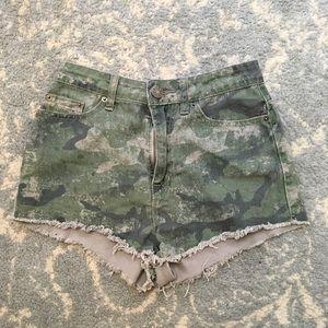 BDG Pants - BDG Urban Camouflage Printed Cut Off Shorts