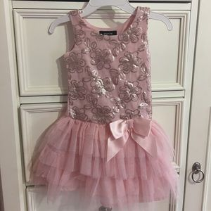 Zunie Other - 🌸Beautiful Toddler Princess Dress with Sequins