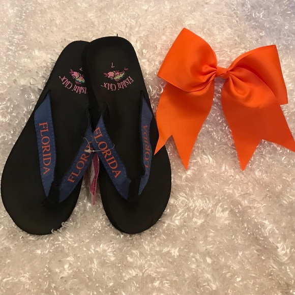 588a95655 University of Florida flip flops and hair bow