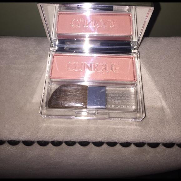Clinique Makeup - Blushing blush