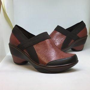 Jambu Shoes - Jambu Red Platform (Cali-Embossed)