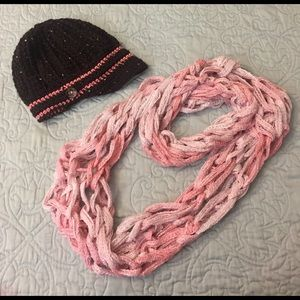 Accessories - Knit cap and infinity scarf