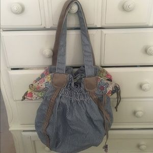 thirty one Handbags - Thirty One Bucket Bag Free Spirit Cinch Top