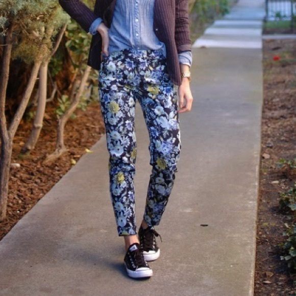 H&M Pants - Like NEW H&M blue floral trousers