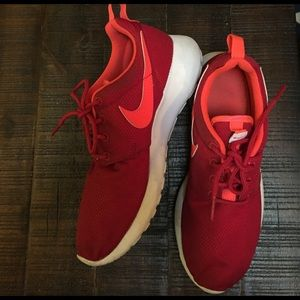 Nike Shoes - Red Nike roshes