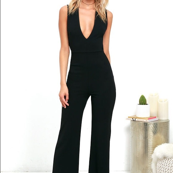 8e96363f4c3f Black Jumpsuit Lulus. M 58e4399e13302a0e49005d70