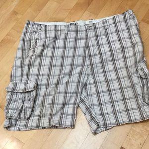 Roundtree & Yorke Other - LIKE NEW men's plaid cargo shorts