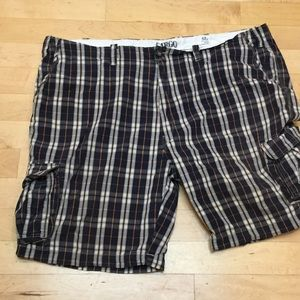 Roundtree & Yorke Other - GENTLY USED men's plaid cargo shorts