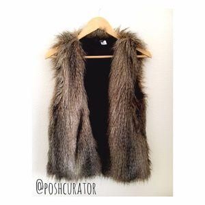 EUC H&M Faux fur vest