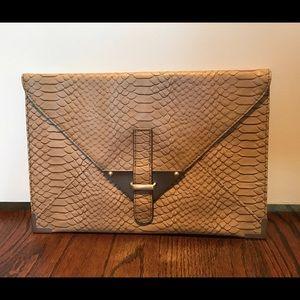 Tarnish Handbags - Tarnish (Nordstroms) beige faux snake skin clutch