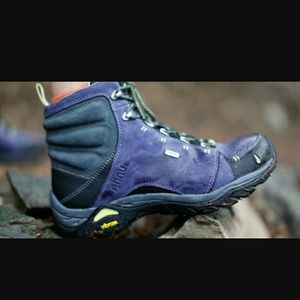Ahnu Shoes - Ahnu Montara leather hiking trail boots