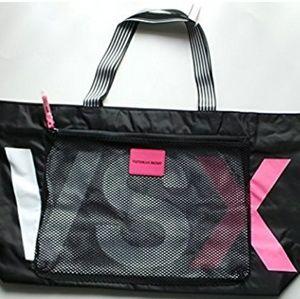 Victoria's Secret Handbags - VICTORIA'S SECRET VSX SPORT DUFFLE GYM BAG.