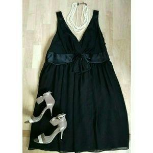 Onyx Dresses & Skirts - New!🎉🎇Plus Fun Black Dress