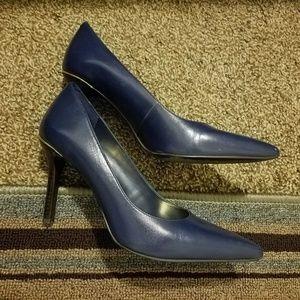 Lauren Ralph Lauren Shoes - Lauren Ralph Lauren navy blue/gold pumps sz 6.5