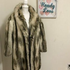 astraka Jackets & Blazers - 🆑Faux fur coat size 14 USA adult