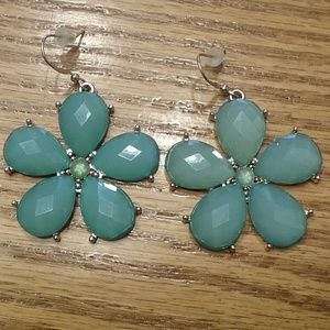 Jewelry - Green floral earrings