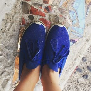 Native Shoes - 💙Native Blue Suede Sneakers💙6/6.5