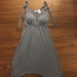 Dresses & Skirts - Grecian Grey Dress