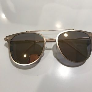 Accessories - Rose gold festival type sunglasses
