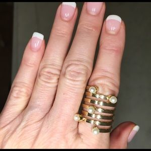 Farah Jewelry Jewelry - New golden ring with 4 faux perals