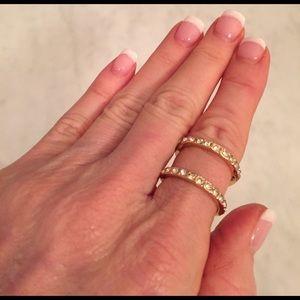 Farah Jewelry Jewelry - New gold wrap around ring with rhinestones