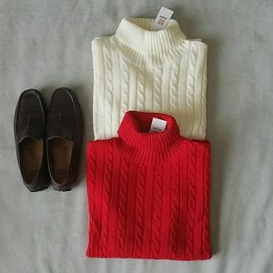 H2H Other - H2H Turtleneck Sweater Bundle NWT