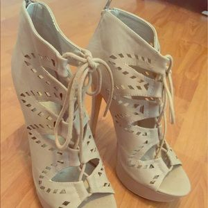 Shoes - Lace up high heels. Sexy beige!