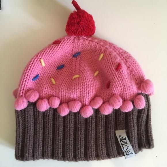 5287ef8093c Neff Cupcake Hat. M 58e52fe5981829342b00e8f4