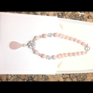 me Jewelry - Necklace of pink stones and crystals.