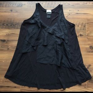 Under Ligne by Doo Ri Black ruffle front  tank M