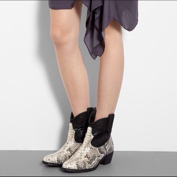 3a742f83fa0c Sam Edelman Stevie Roccia Snakeskin Cowgirl Boots.  M 58e5381e8f0fc430a0000a21
