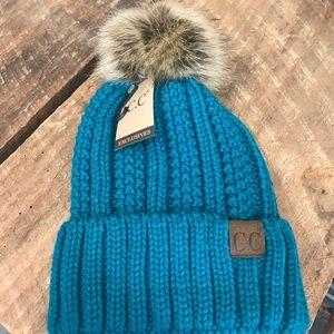 ✨NEW✨ CC Teal Fur Pom Knit Beanie