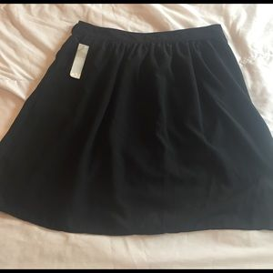 Old Navy Dresses & Skirts - NWT black old navy skirt size 6