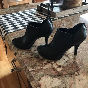 Unlisted Shoes - Adorable Black Booties😎😎😎